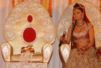 Rakhi and her husband to-be's wedding turban